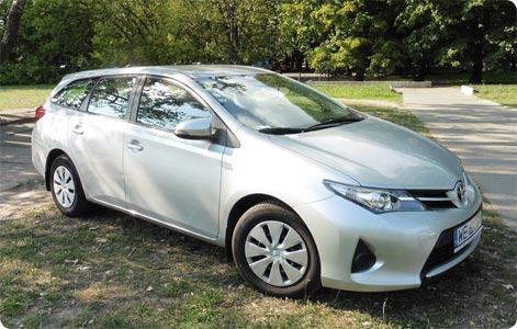 Toyota Auris Estate rental